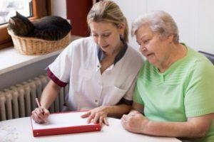 Comment faire le métier d'aide-soignante