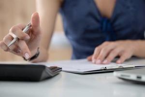 Suivez ce plan EN 4 ÉTAPES pour mieux contrôler votre argent