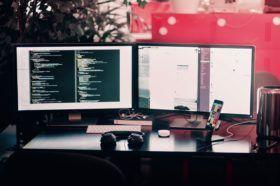 Comment devenir développeur web, un métier qui résiste à toutes les crises
