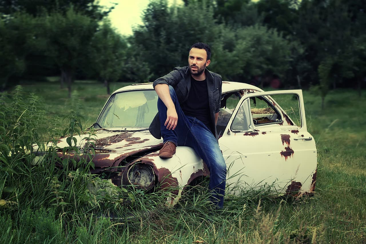 voiture entrepreneur forêt lifestyle